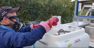 Mixing a general pest treatment for internal spaces
